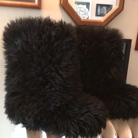 34f7c2e702e Fluff Momma Ugg Black Size 9 RARE FINAL PRICE DROP